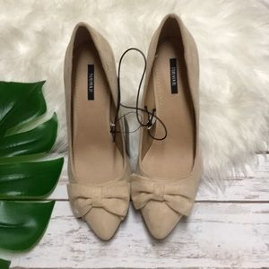 Forever 21 Faux Suede Bow Pumps